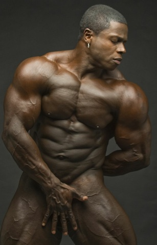 Massive black bodybuilder Sean Jones naked
