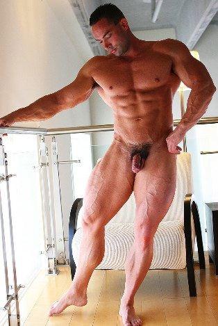 Bodybuilder Hayden flexing legs