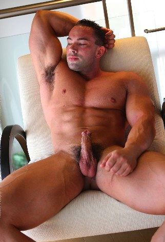 Smooth Muscle stud shows off hairy armpit