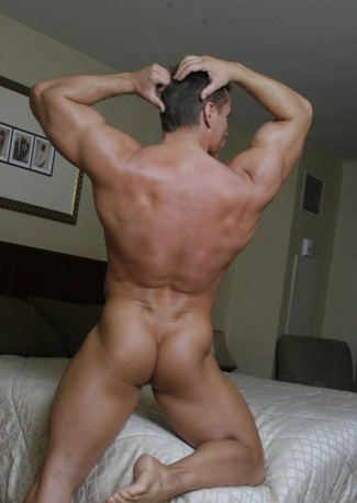 Muscle boy shows off his smooth bubble butt