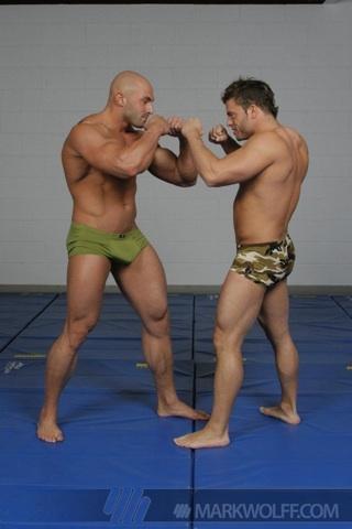 Sean y Jason comienzan a luchar