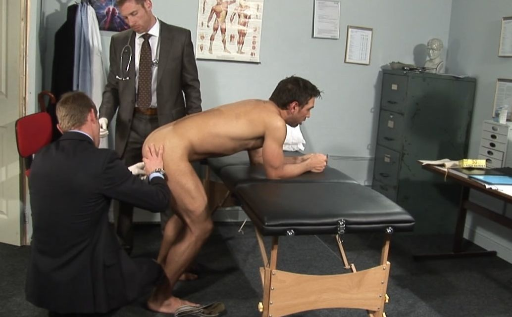 Neil and Billy examine Lucky\'s ass