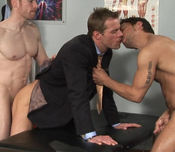 Lucky kisses Neil while Billy plows his ass
