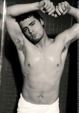 Sexy shirtless Levi Johnston