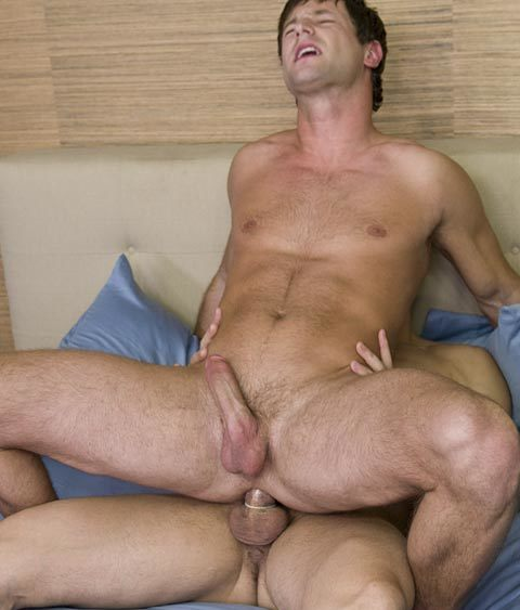 Eric Pryor – bottoming