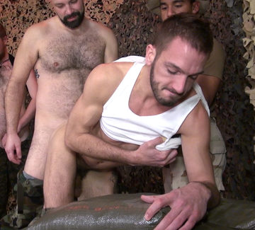 Dylan Hyde – Bottoming