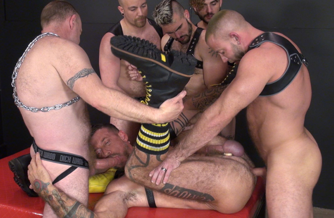 Shay Michaels fucking Ray Dalton's hairy ass during a gangbang