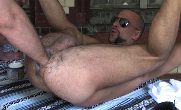 Hairy bottom slut Matthieu Paris getting fisted