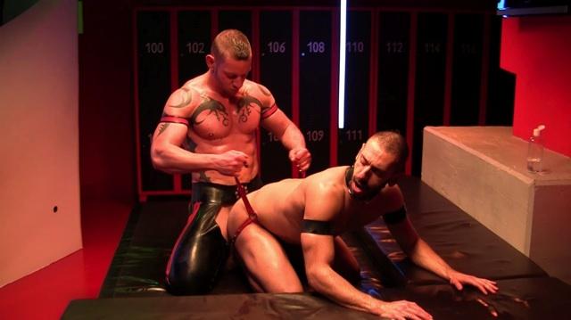 two pigs in heat fuck bareback in a sauna