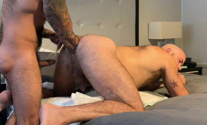 HungerFF – Fisting bottom