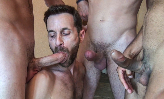 Sex slut Sean Storm services 3 huge dicks