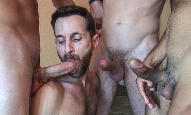 Sex slut Sean Storm services 3 huge dicks
