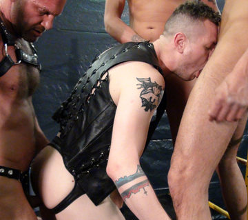 Blue Bailey – Bottoming