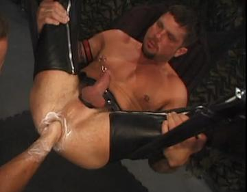 Rob Edwards – fisting bottom