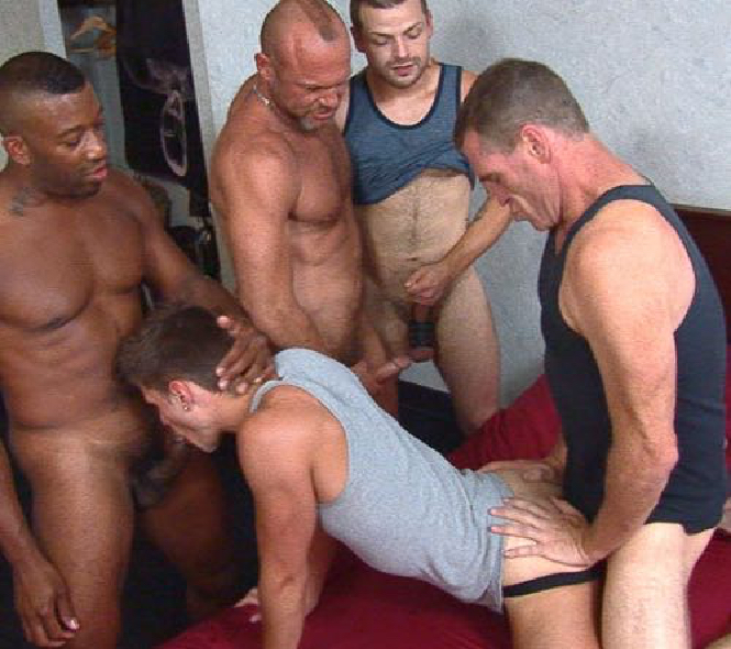 Guys look on as BJ Slater fucks a gangbang bottom