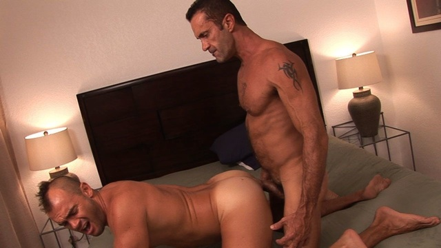 Lito Cruz raw fucking Jesse on the bed