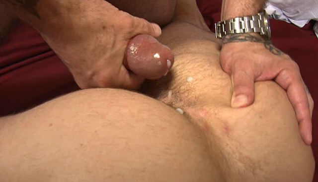 Luke Thomas unloads his cum on Drew Sumrok's hard ass