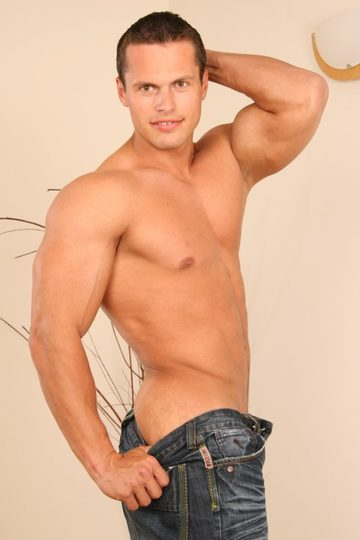 Hot smooth college jock with big arms