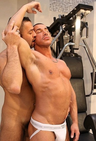 Ripped muscle boy Marius and Marco fool around in the gym