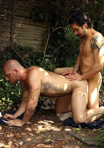 Toby fucks Aitor in the back yard