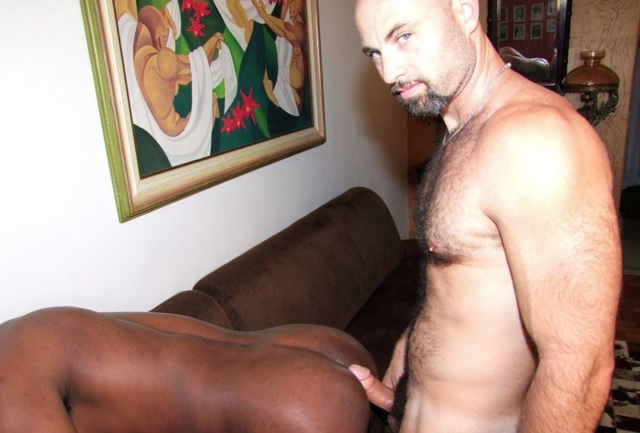 Beefy furry Collin O'Neal ready to fuck a hot black ass